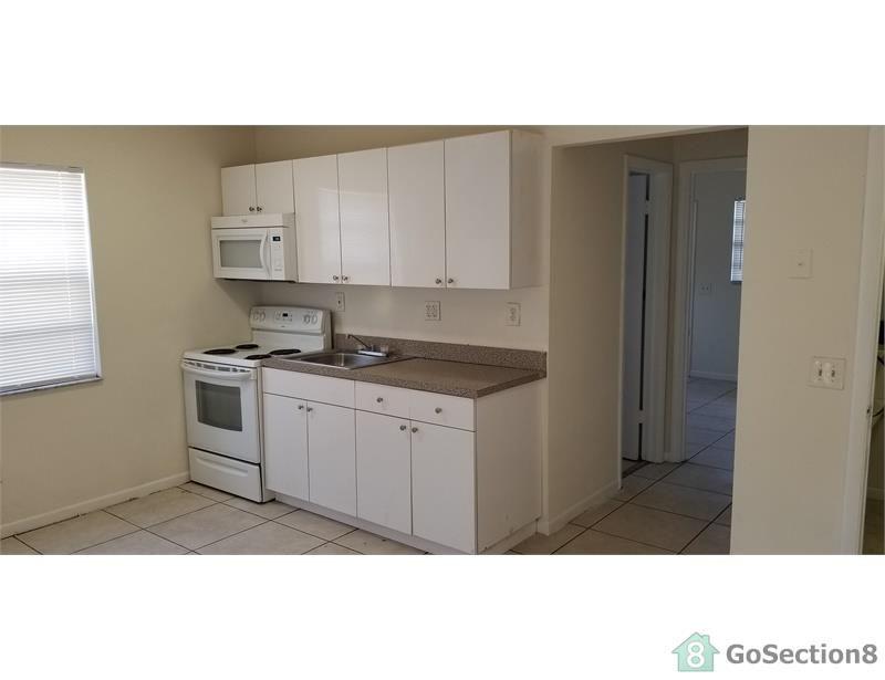 4030 SW 19th St #3, West Park, FL 33023