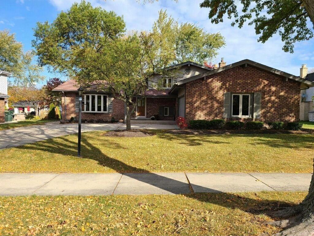 906 W Noyes St, Arlington Heights, IL 60005