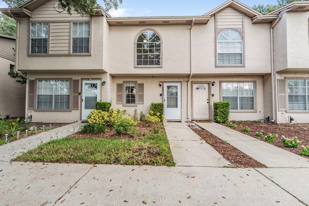 2350 Fletchers Point Cir, Tampa, FL 33613