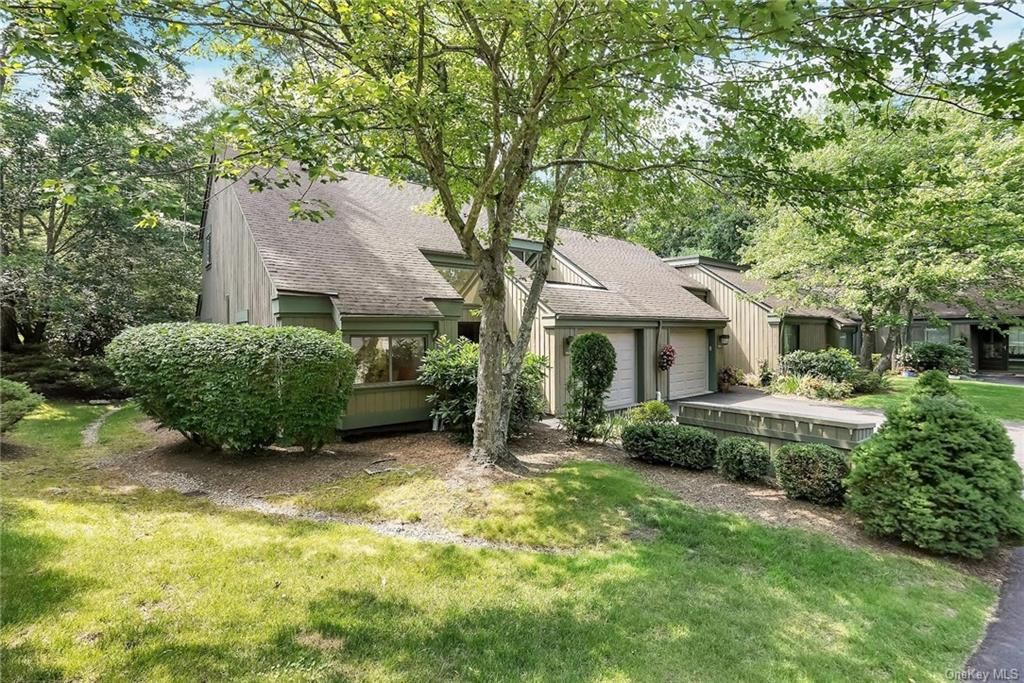 954 Heritage Hls #A, Somers, NY 10589