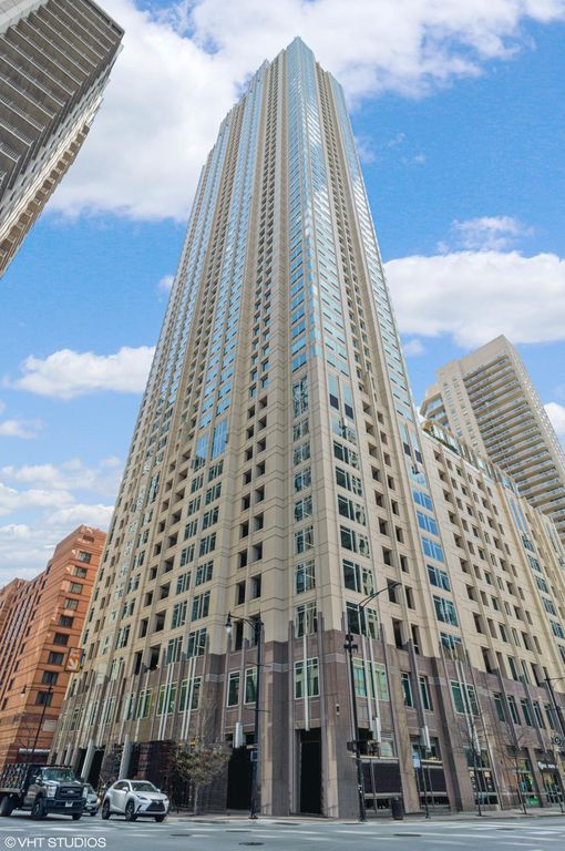 33 W Ontario St #45A, Chicago, IL 60654