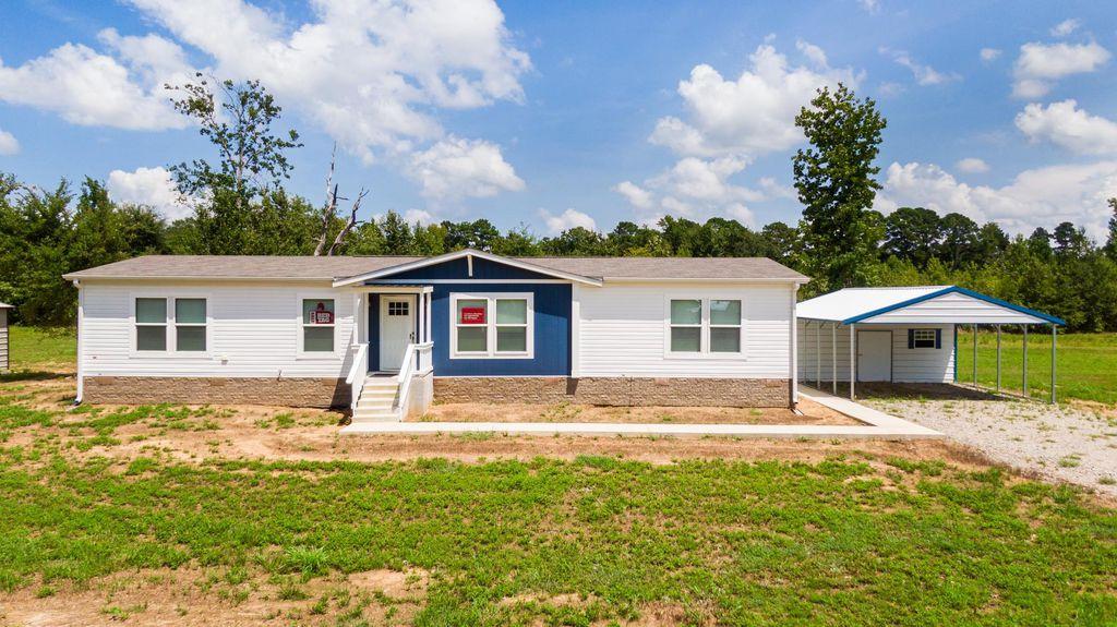 941 S Adams St, Carthage, TX 75633