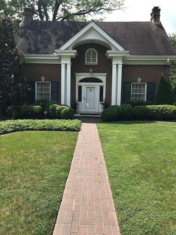 1720 Fairway Dr, Lexington, KY 40502
