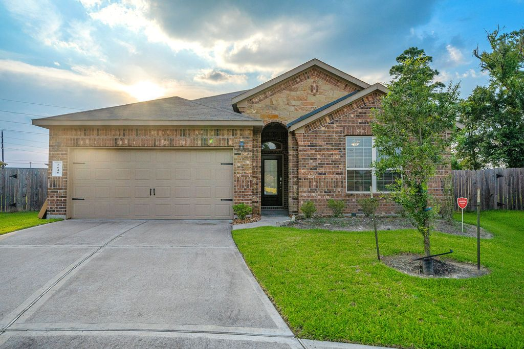 5646 Claymore Meadow Ln, Spring, TX 77389