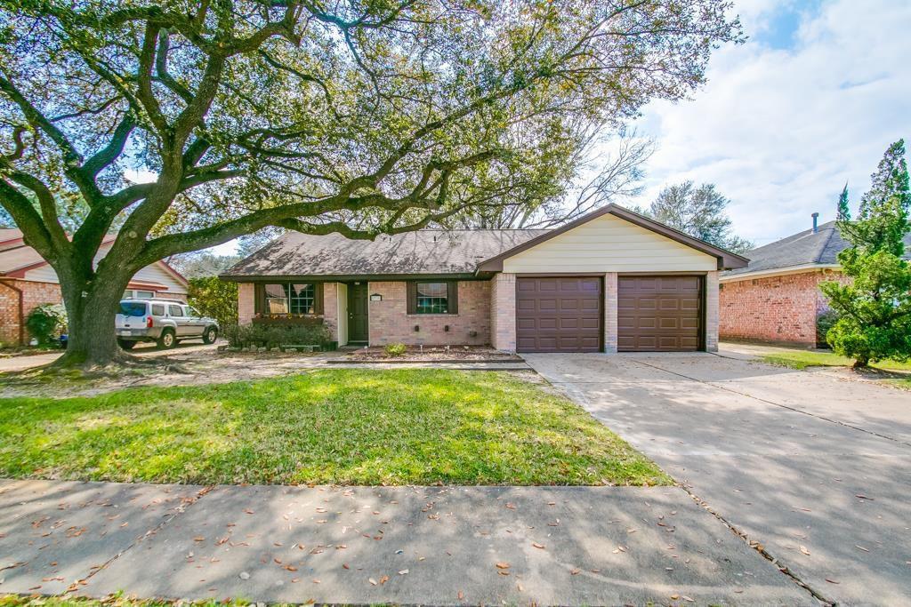 5735 Hoover St, Houston, TX 77092