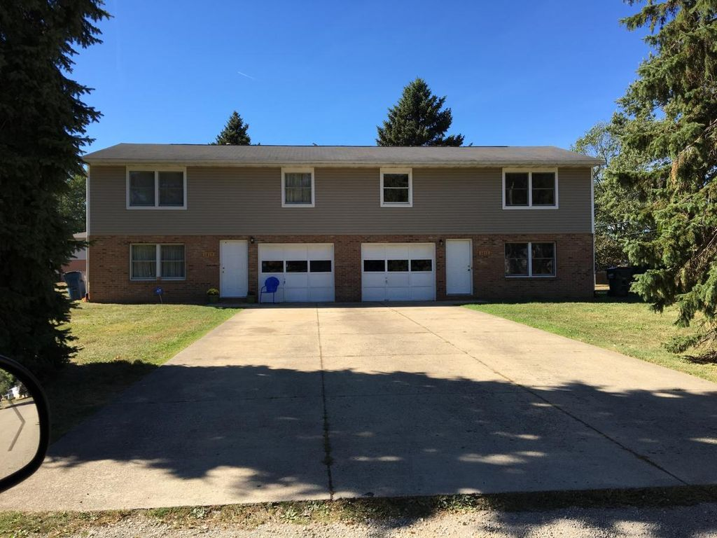 1617 Radcliff Ave NW, Massillon, OH 44646