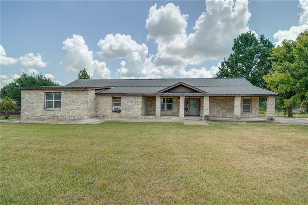 321 Phelan Rd, Bastrop, TX 78602