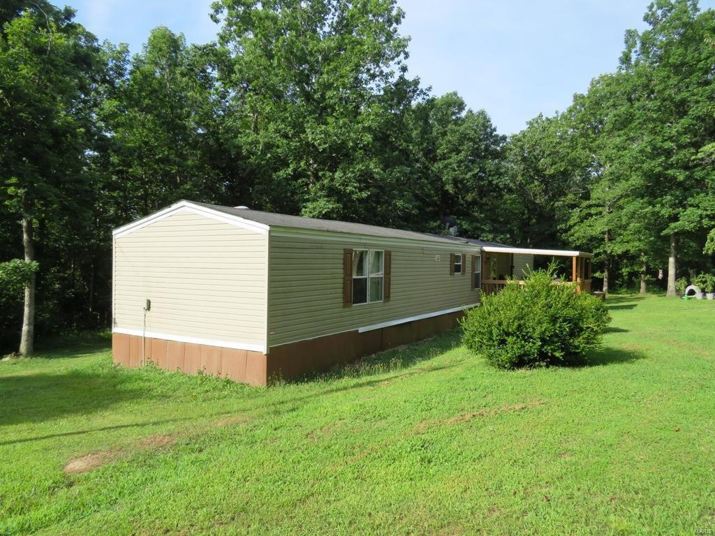 718 County Road 310, Ellington, MO 63638