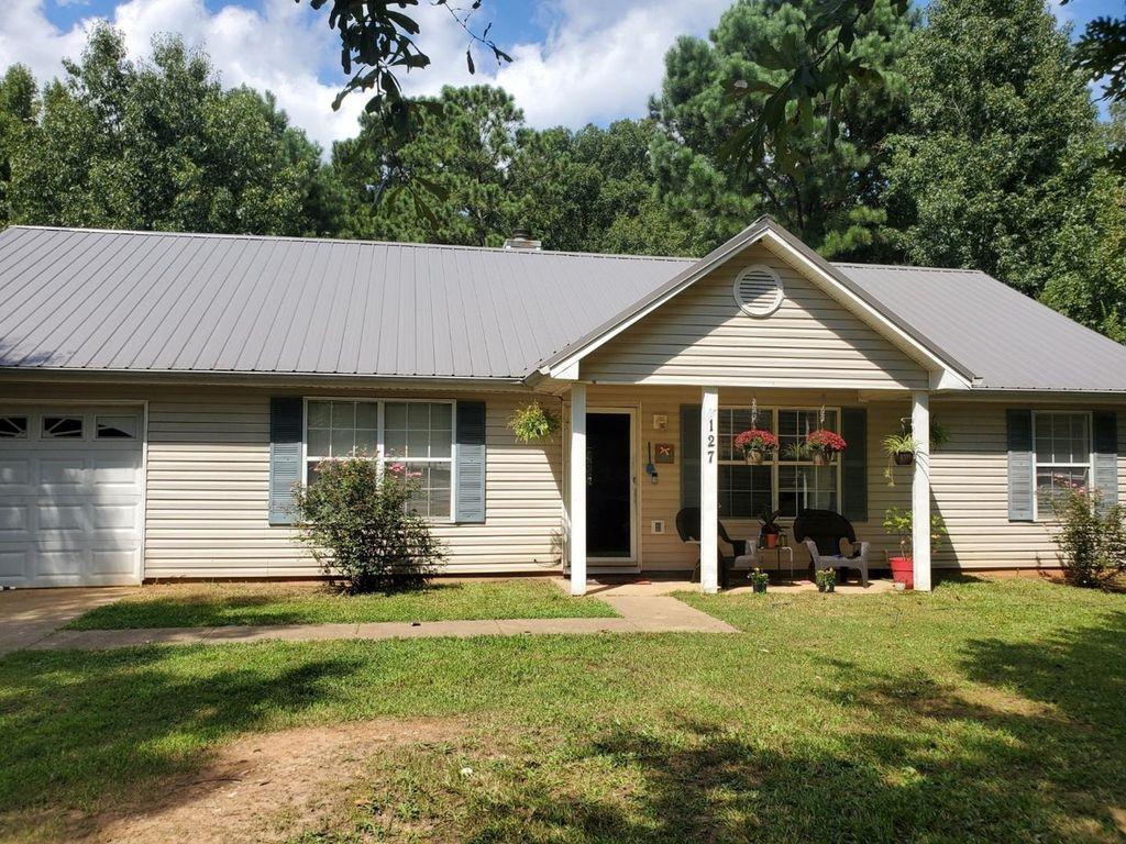 127 Country Meadows Way, Jenkinsburg, GA 30234