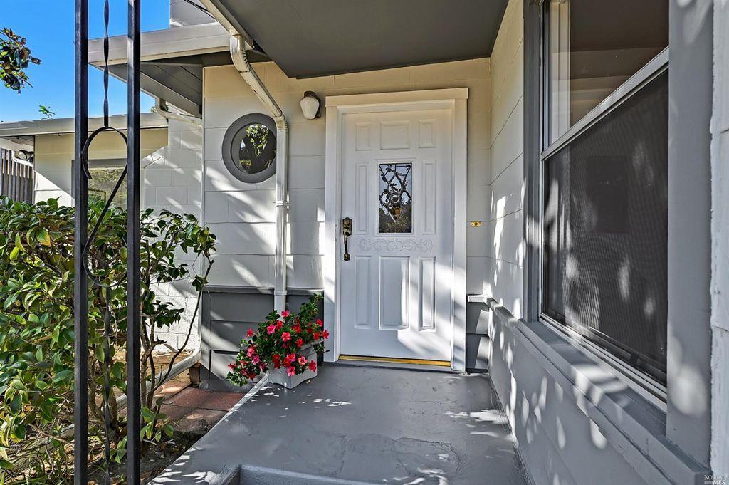 4 Garden Ave, San Rafael, CA 94903