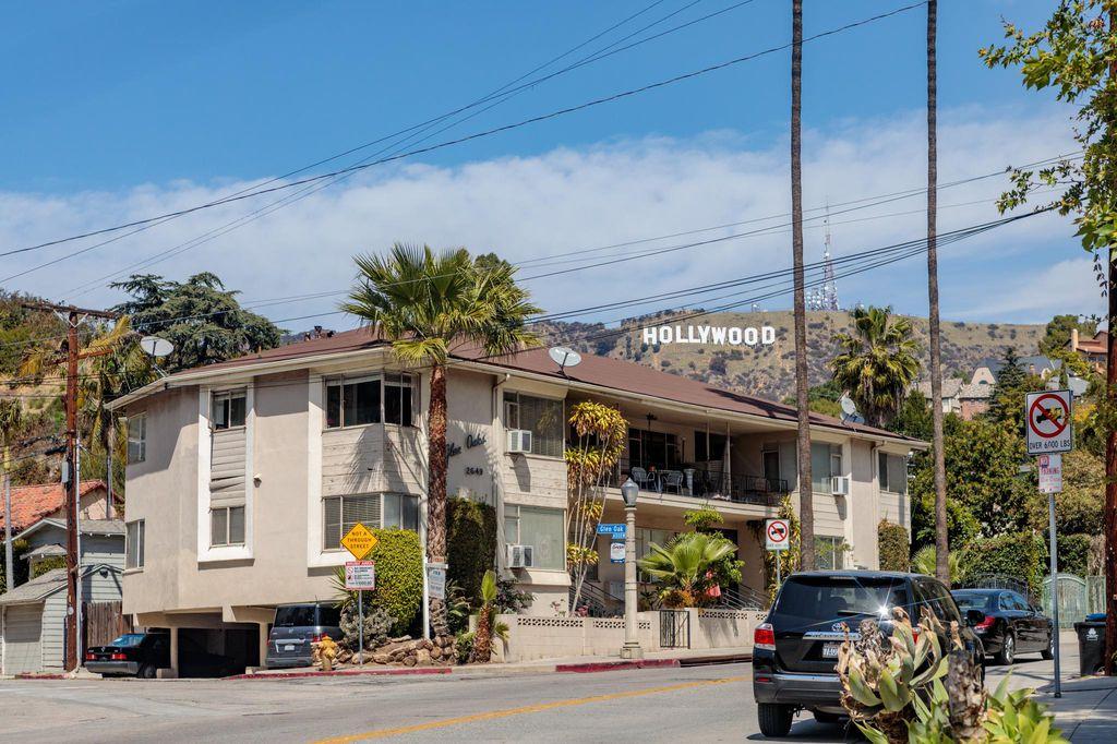 2649 N Beachwood Dr #4, Los Angeles, CA 90068