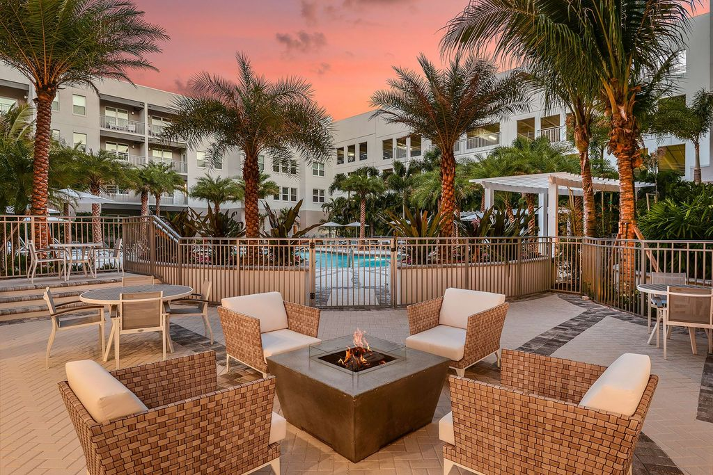 700 Cocoanut Ave, Sarasota, FL 34236