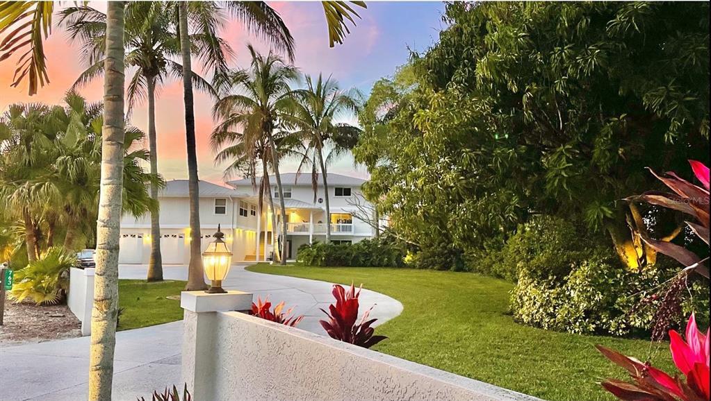 763 Tropical Cir, Sarasota, FL 34242