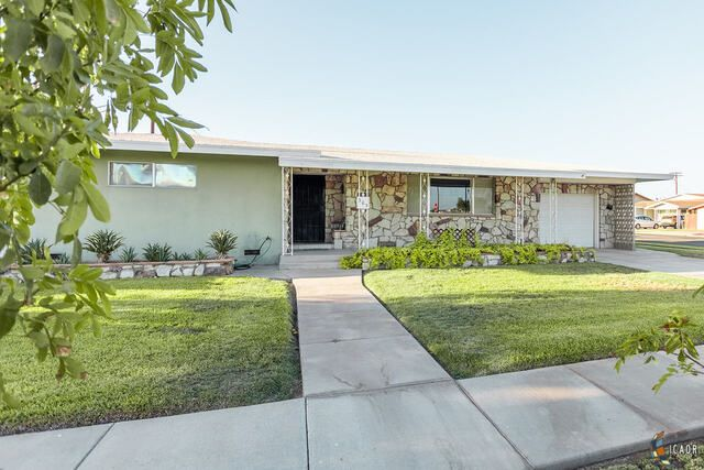 303 W 2nd St, Imperial, CA 92251