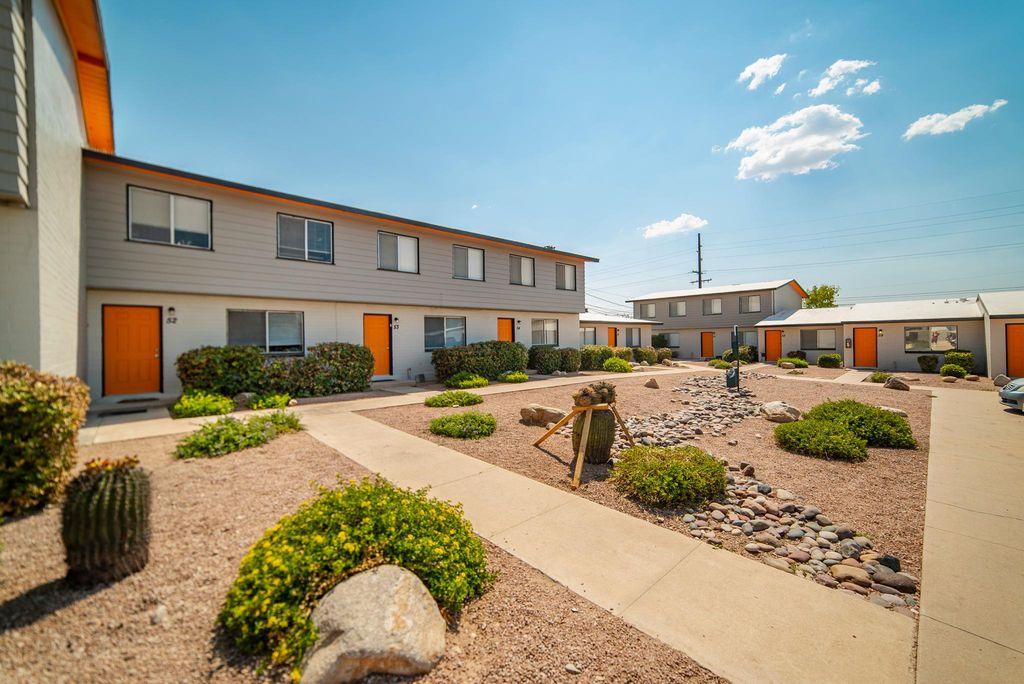 1402 E Manlove St, Tucson, AZ 85719
