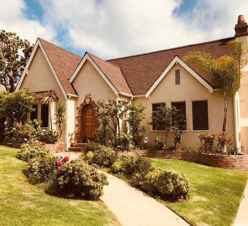 10530 Kinnard Ave, Los Angeles, CA 90024