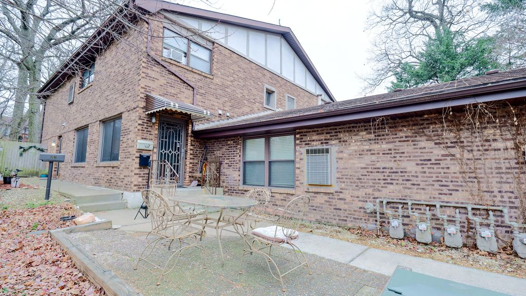 8281 S Archer Ave #103, Willow Springs, IL 60480