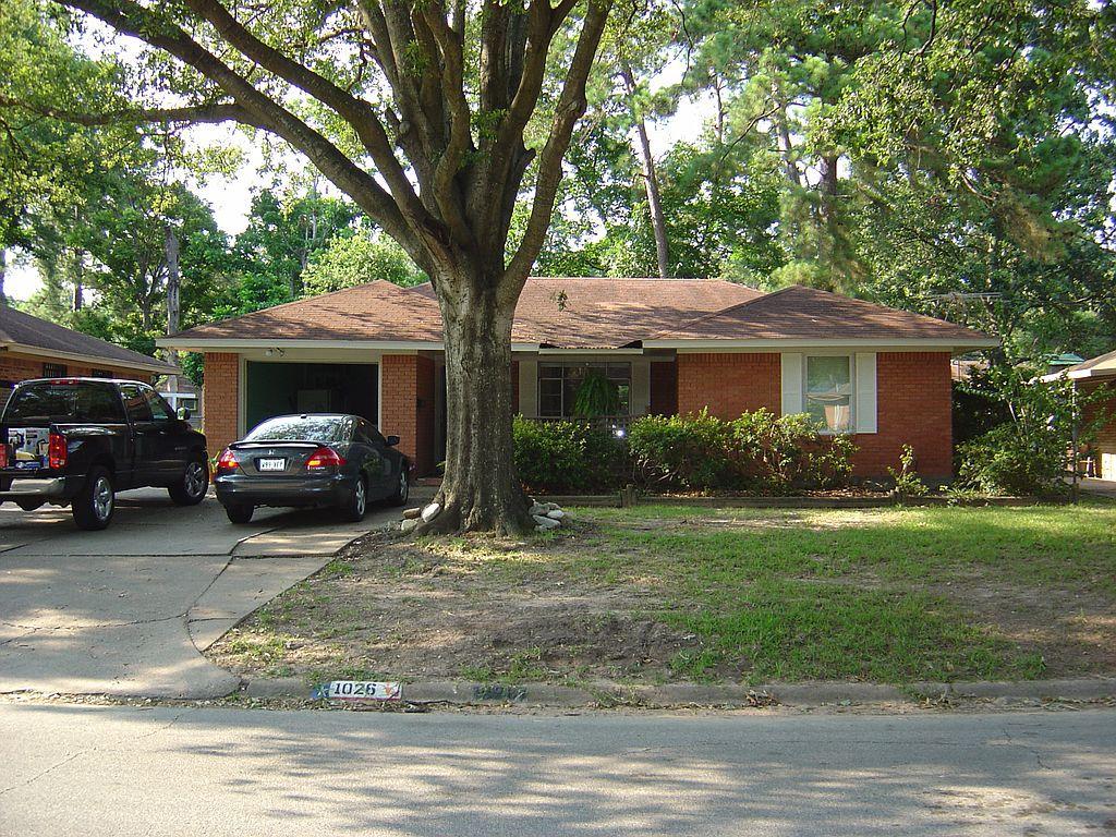 1026 Stonecrest Dr, Houston, TX 77018
