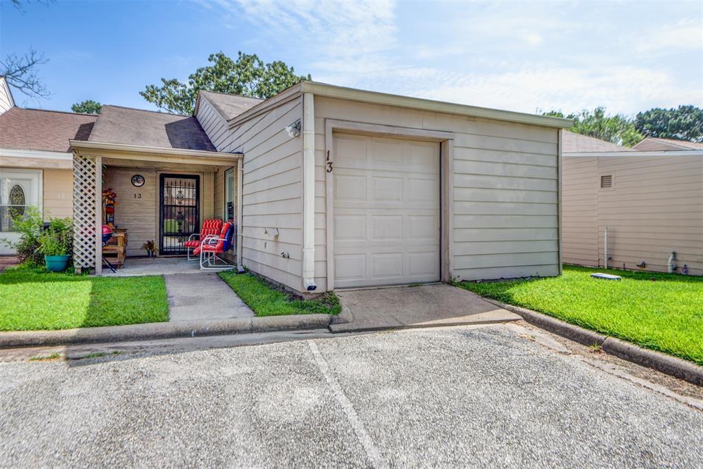 13 Townhouse Ln, Trinity, TX 75862