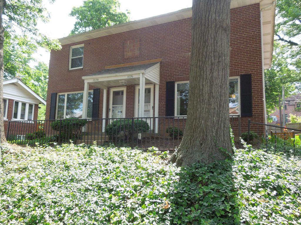 1074 Terrace Dr, Saint Louis, MO 63117