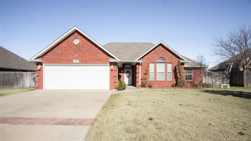 2009 5th Ave NW, Ardmore, OK 73401