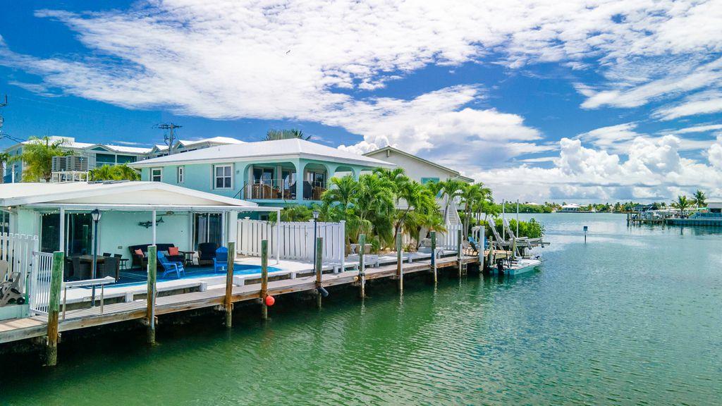 97 Coral Ln, Key Colony Beach, FL 33051