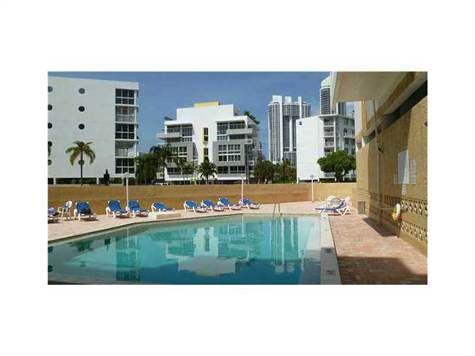 200 178th Dr #609, North Miami Beach, FL 33160