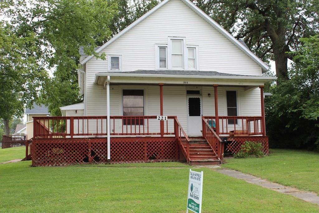 221 N Main St, Memphis, MO 63555
