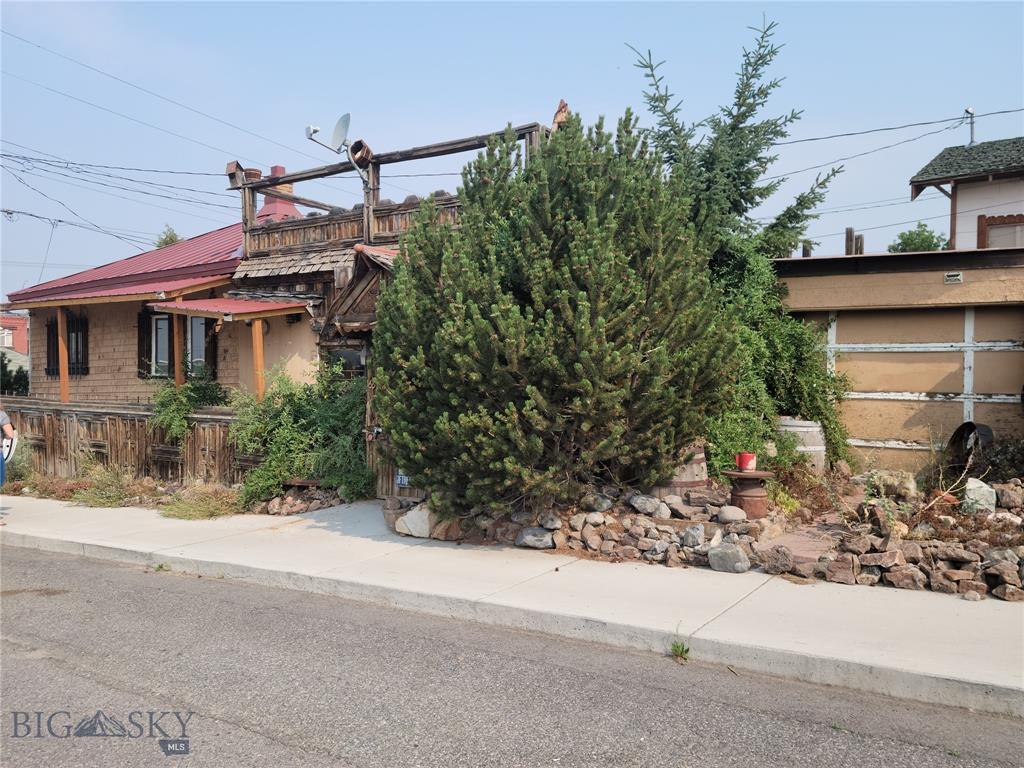 57 W Platinum St, Butte, MT 59701