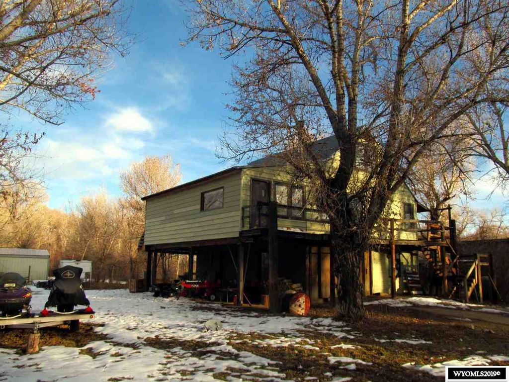 107 Alder St, Elk Mountain, WY 82324