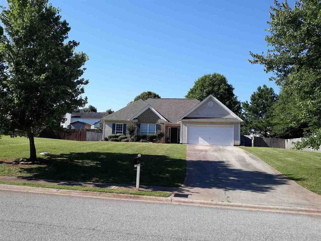 106 Rockbridge Loop, Griffin, GA 30224