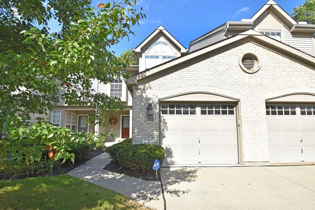 9737 Troon Ct, Blue Ash, OH 45241