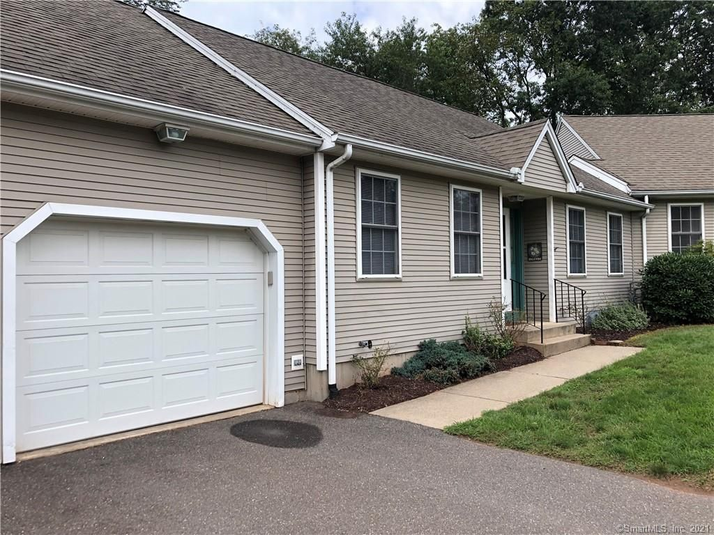 23 Shares Ln #23, South Windsor, CT 06074