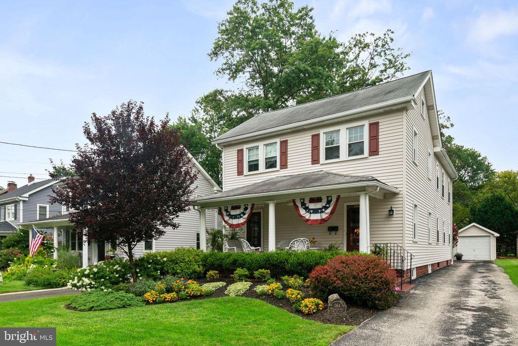 264 Rhoads Ave, Haddonfield, NJ 08033