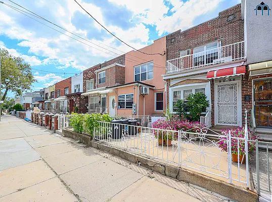 2136 W 6th St, Brooklyn, NY 11223
