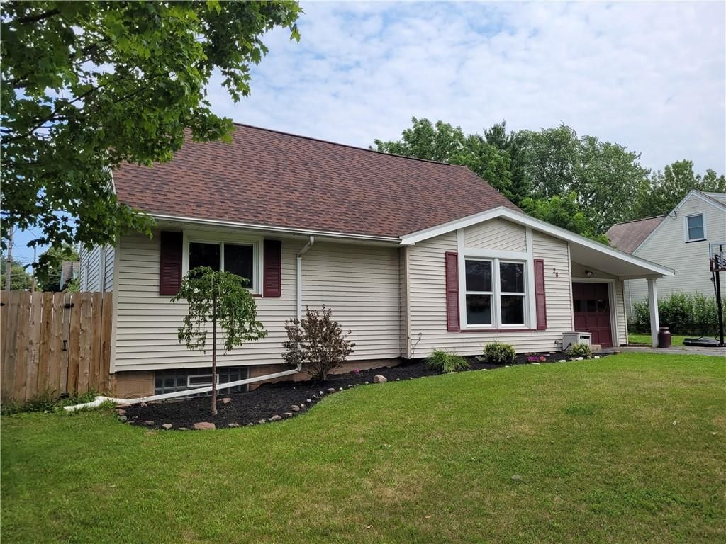 28 Maricrest Dr, Rochester, NY 14616