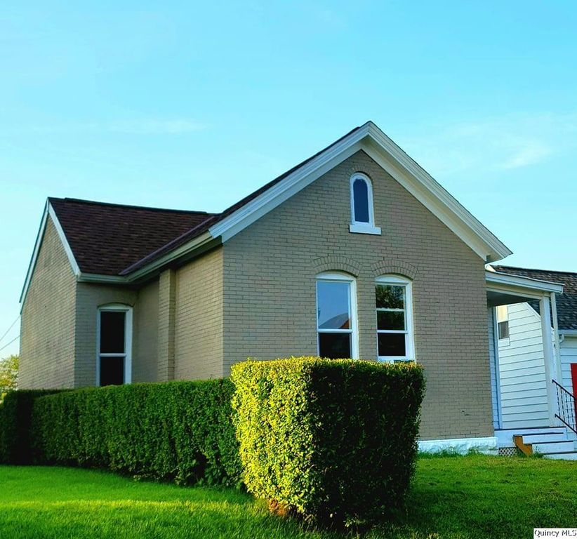 1409 College Ave, Quincy, IL 62301