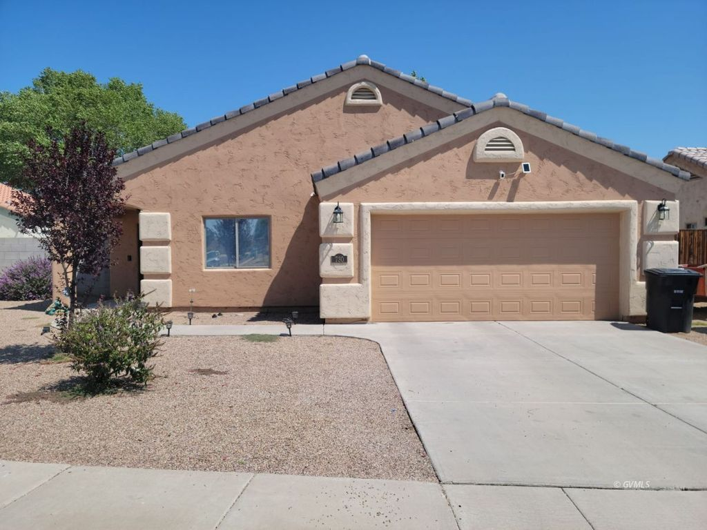 730 W Burrell Ln, Safford, AZ 85546