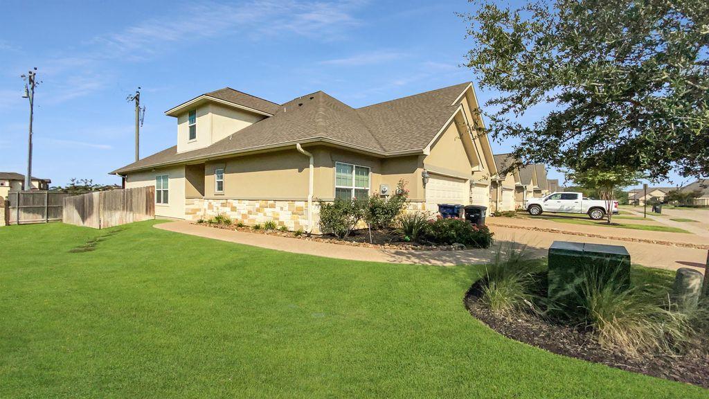 1447 Buena Vis, College Station, TX 77845