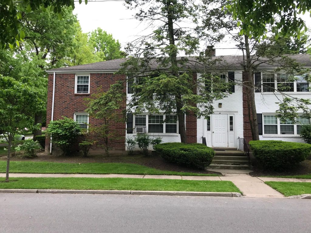 36 Concord Pl #B, Buffalo, NY 14226