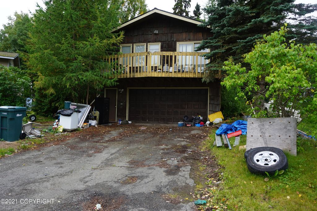 4500 Macalister Dr, Anchorage, AK 99502