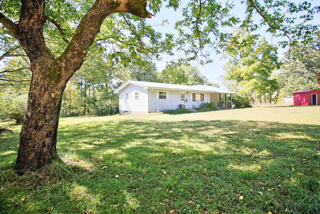 10295 County Road 458A, Winona, MO 65438