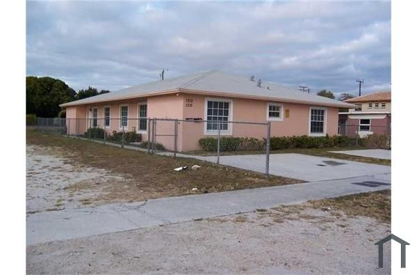 1213 NW 2nd St, Fort Lauderdale, FL 33311