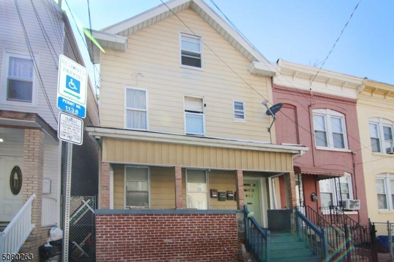198 Parker St, Newark, NJ 07104
