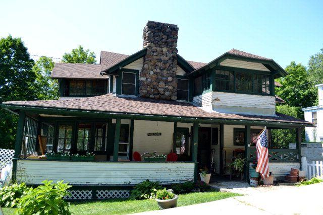 25 Franklin Ave, Saranac Lake, NY 12983