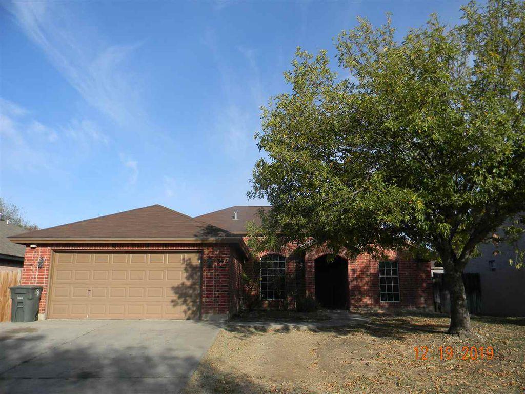 342 New Castle Dr, Laredo, TX 78045