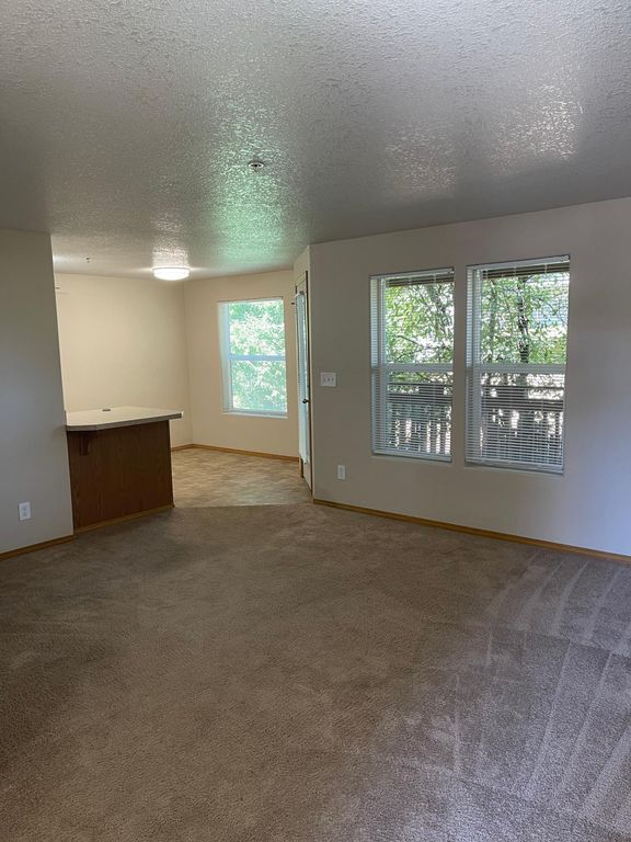 7680 SW 74th Ave #21, Portland, OR 97223