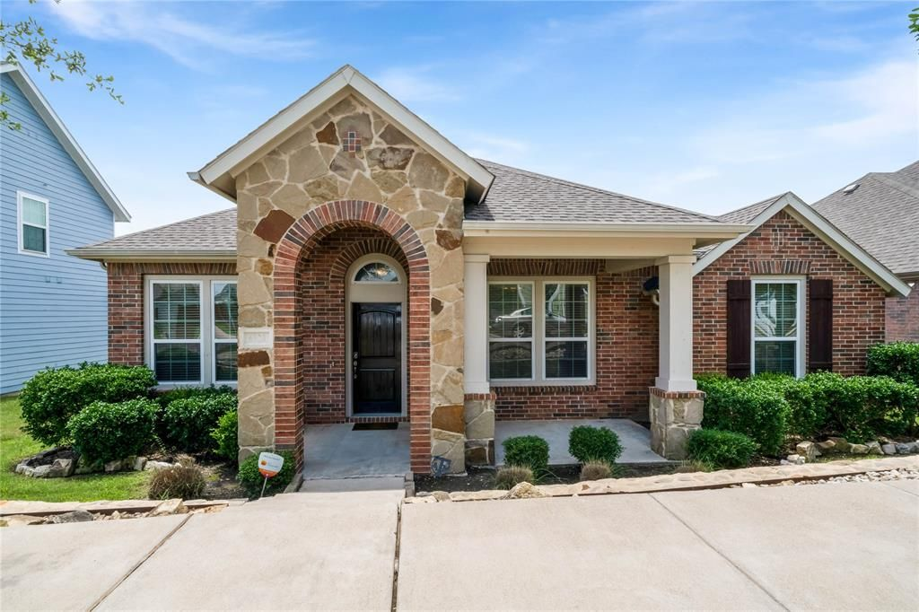 6920 Kingdom Estates Dr, Dallas, TX 75236