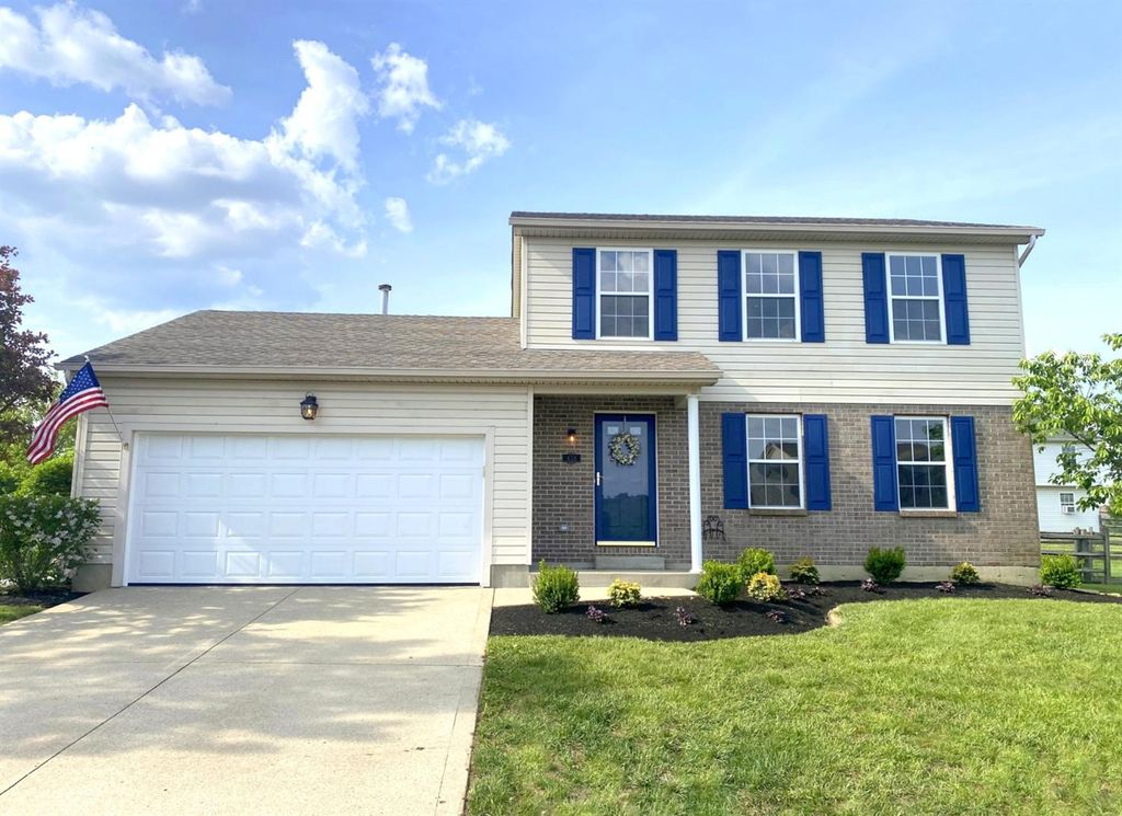 436 Meadow Springs Dr, Maineville, OH 45039