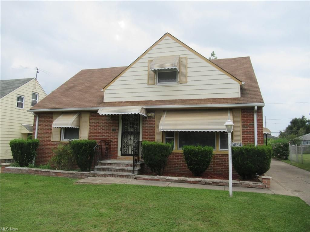 4184 E 181st St, Cleveland, OH 44128